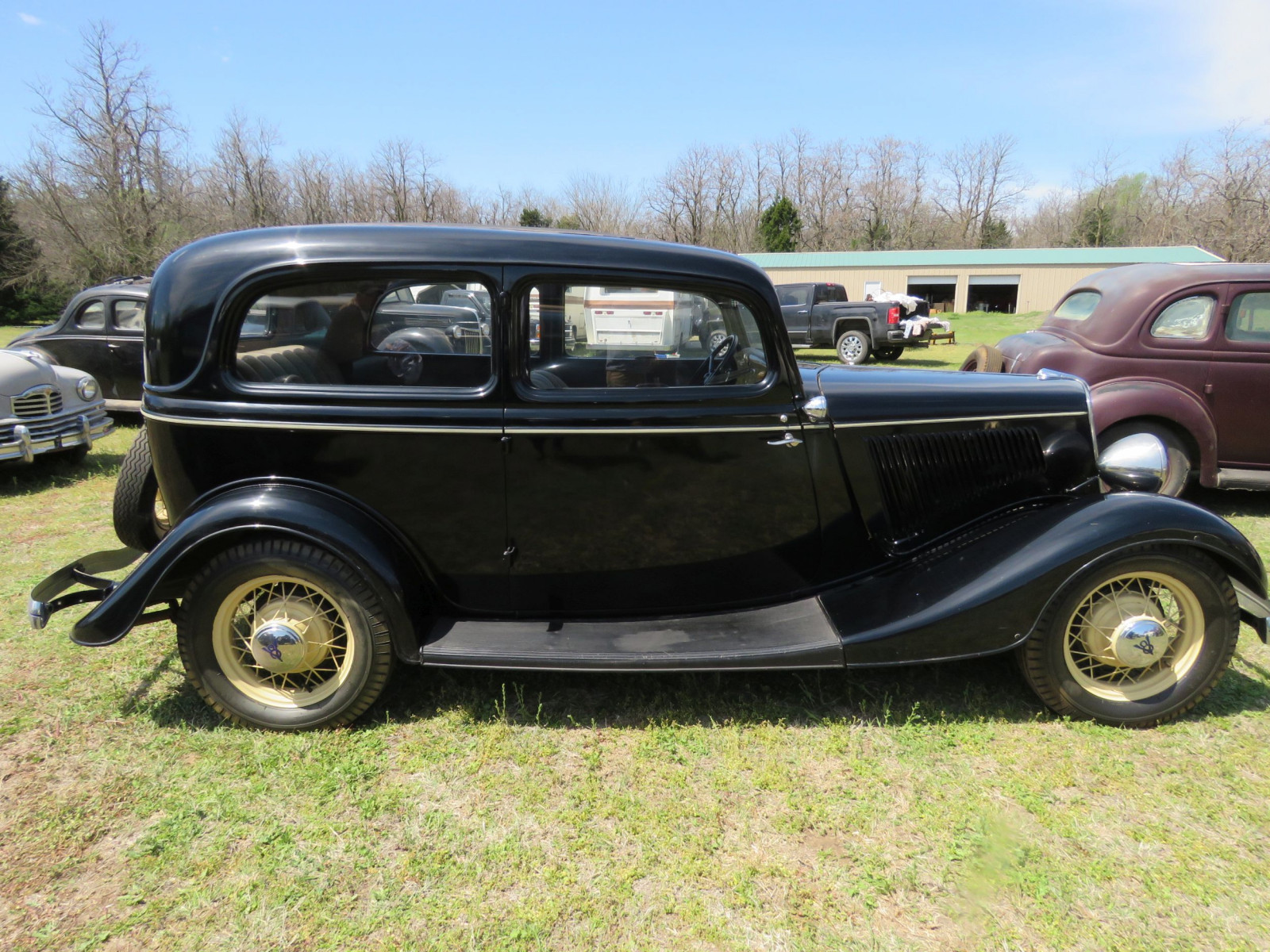 1934 FORD TUDOR SEDAN - Image 9