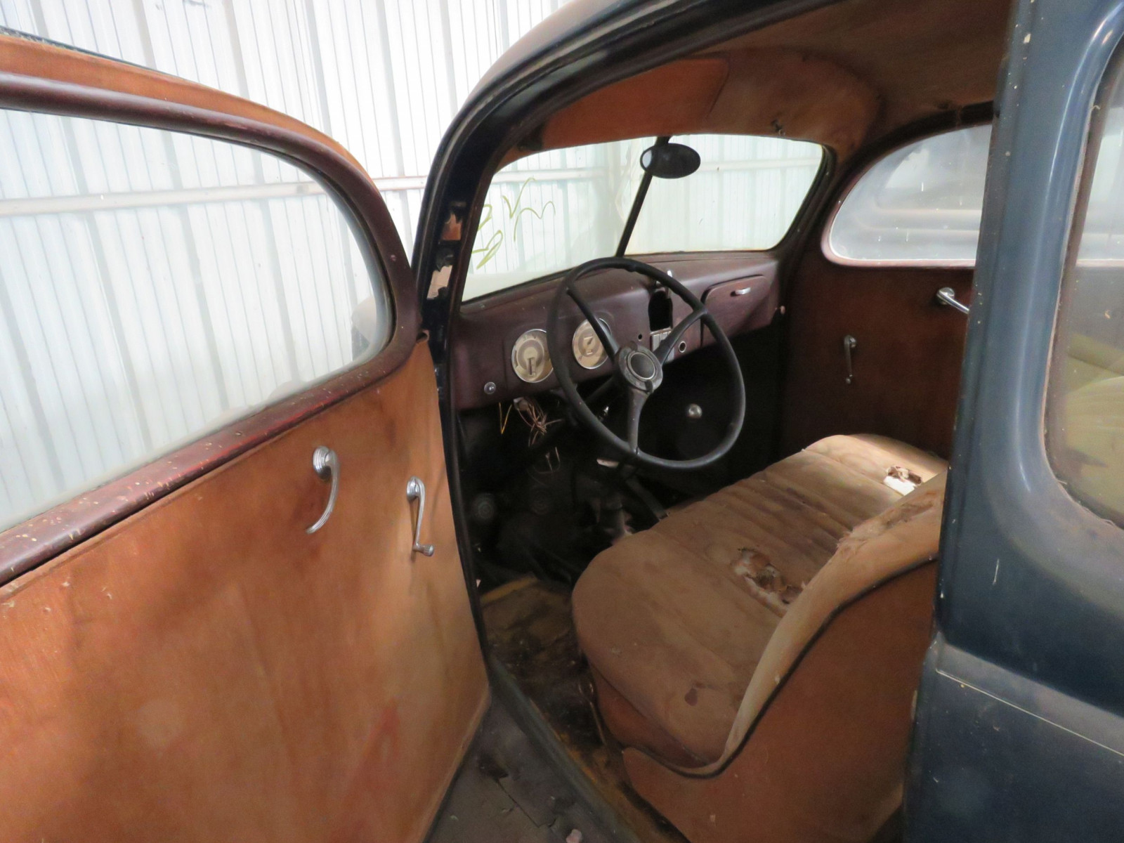 1937 FORD 2DR SLANTBACK SEDAN - Image 3