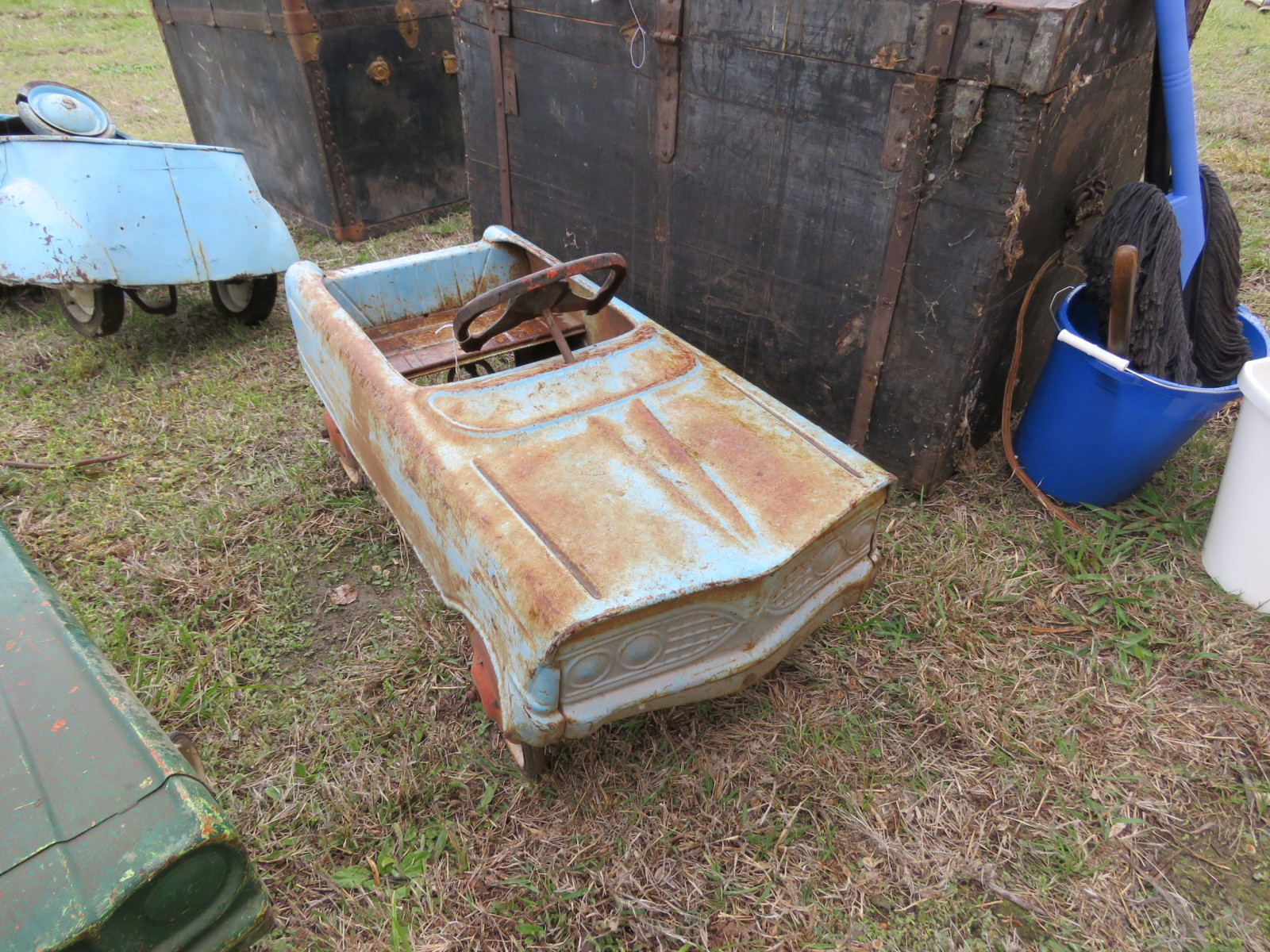 AMF PEDAL CAR FOR RESTORE - Image 1