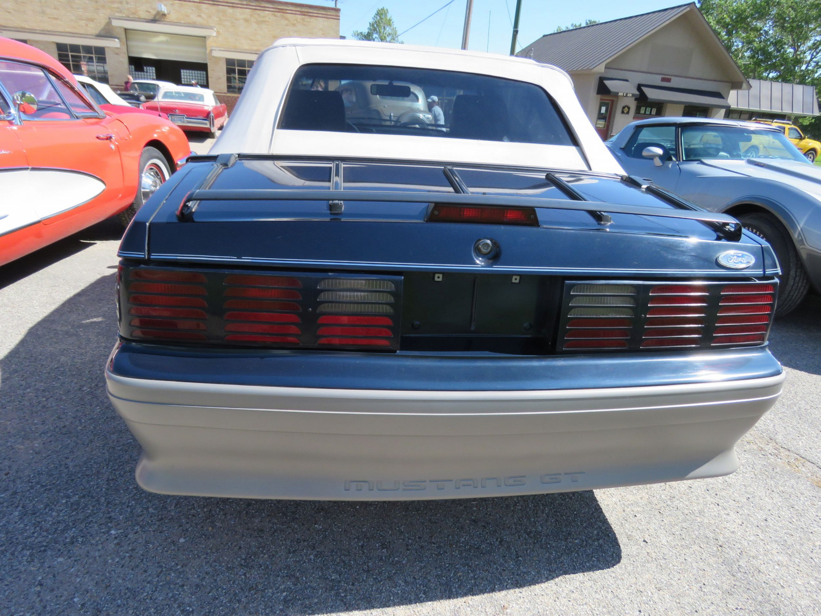 1988 FORD MUSTANG GT 5.0 CONVERTIBLE - Image 6