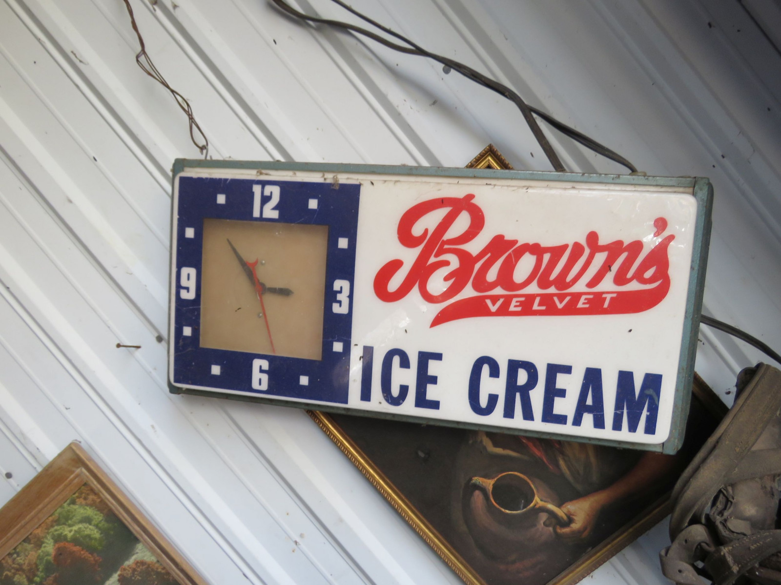 Brown's Ice Cream Listed Sign - Image 1