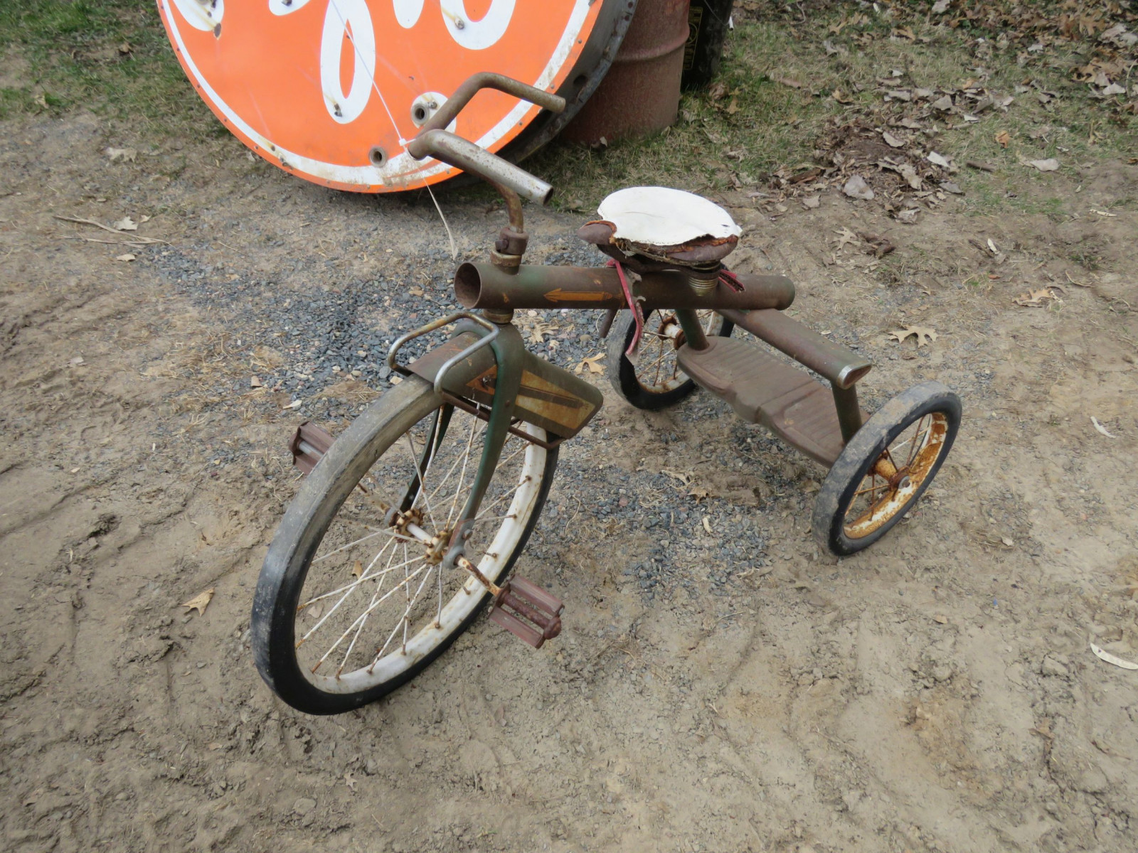 Vintage Tricycle with Wagon - Image 1
