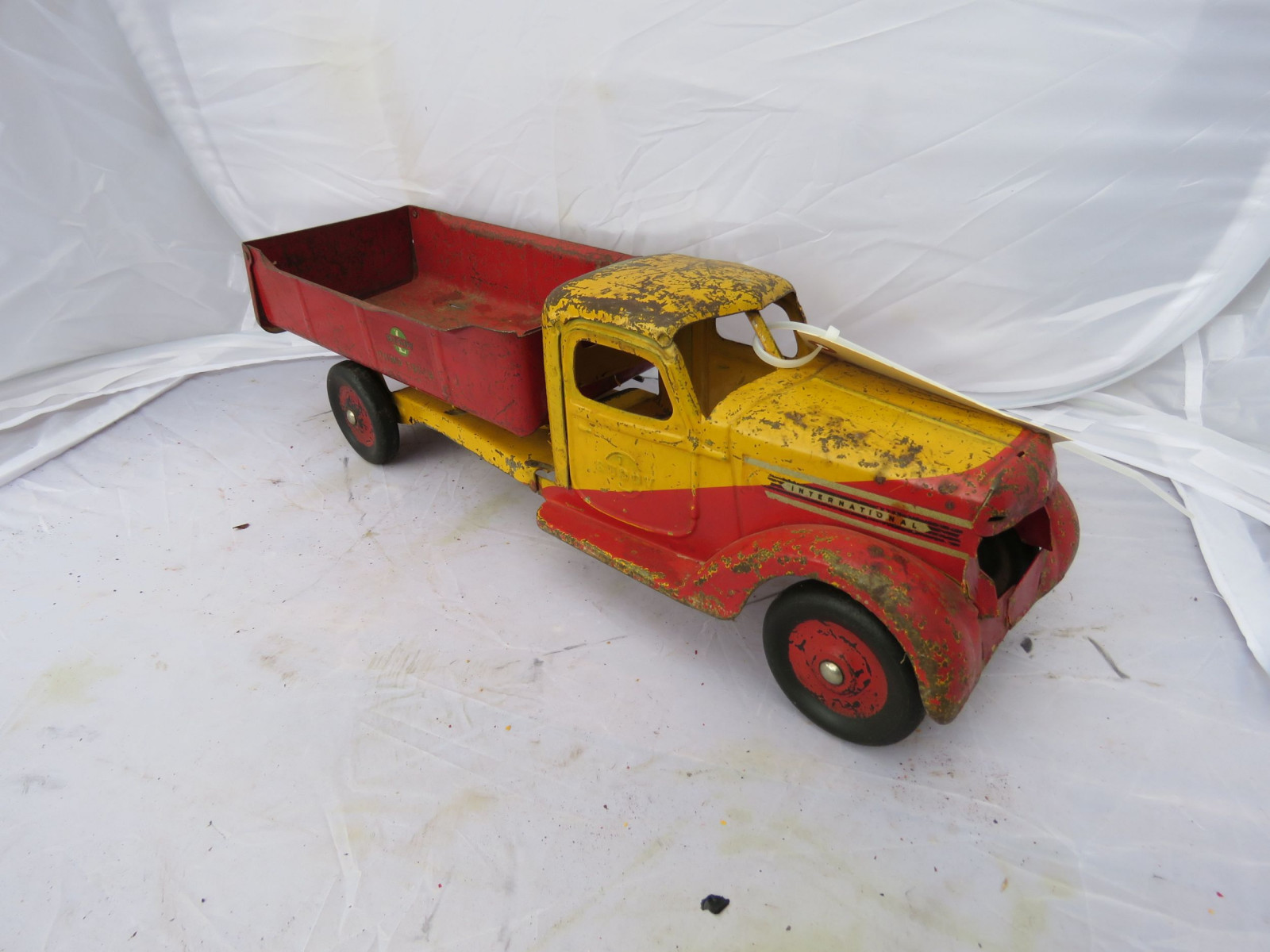 Buddy L International Truck Pressed Tin - Image 1