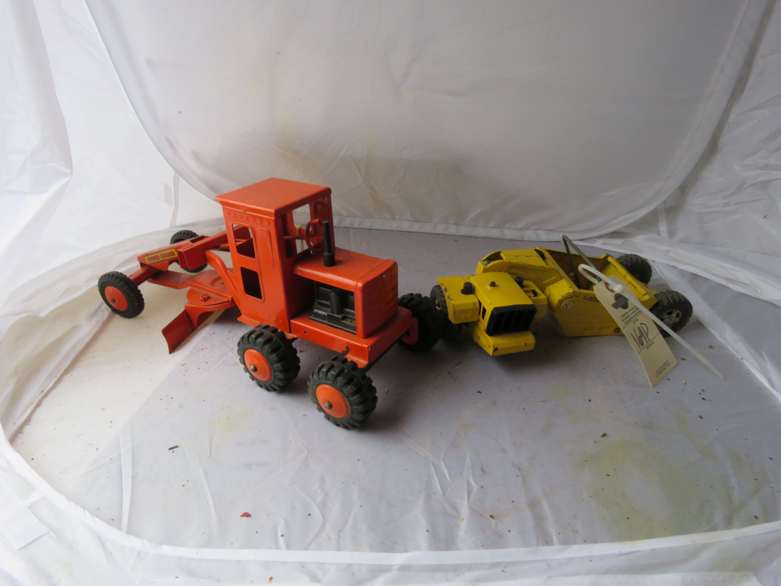 Tin Toy Road grader and Box Scraper - Image 1