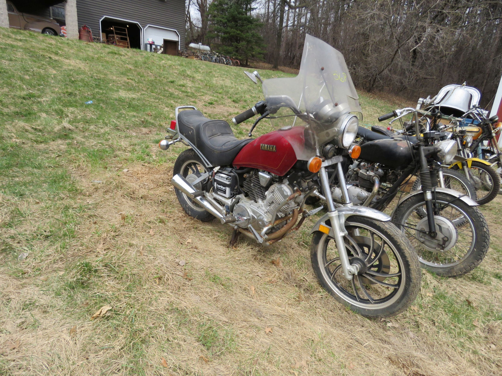 1982 Yamaha Motorcycle for Project or parts - Image 1