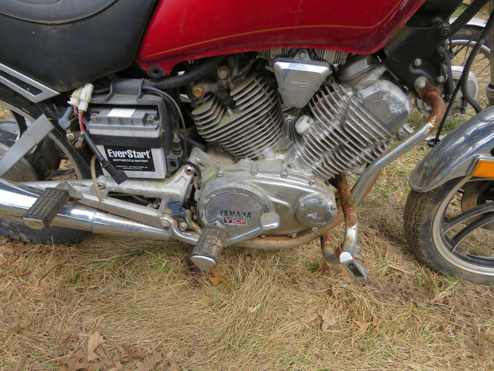 1982 Yamaha Motorcycle for Project or parts - Image 6