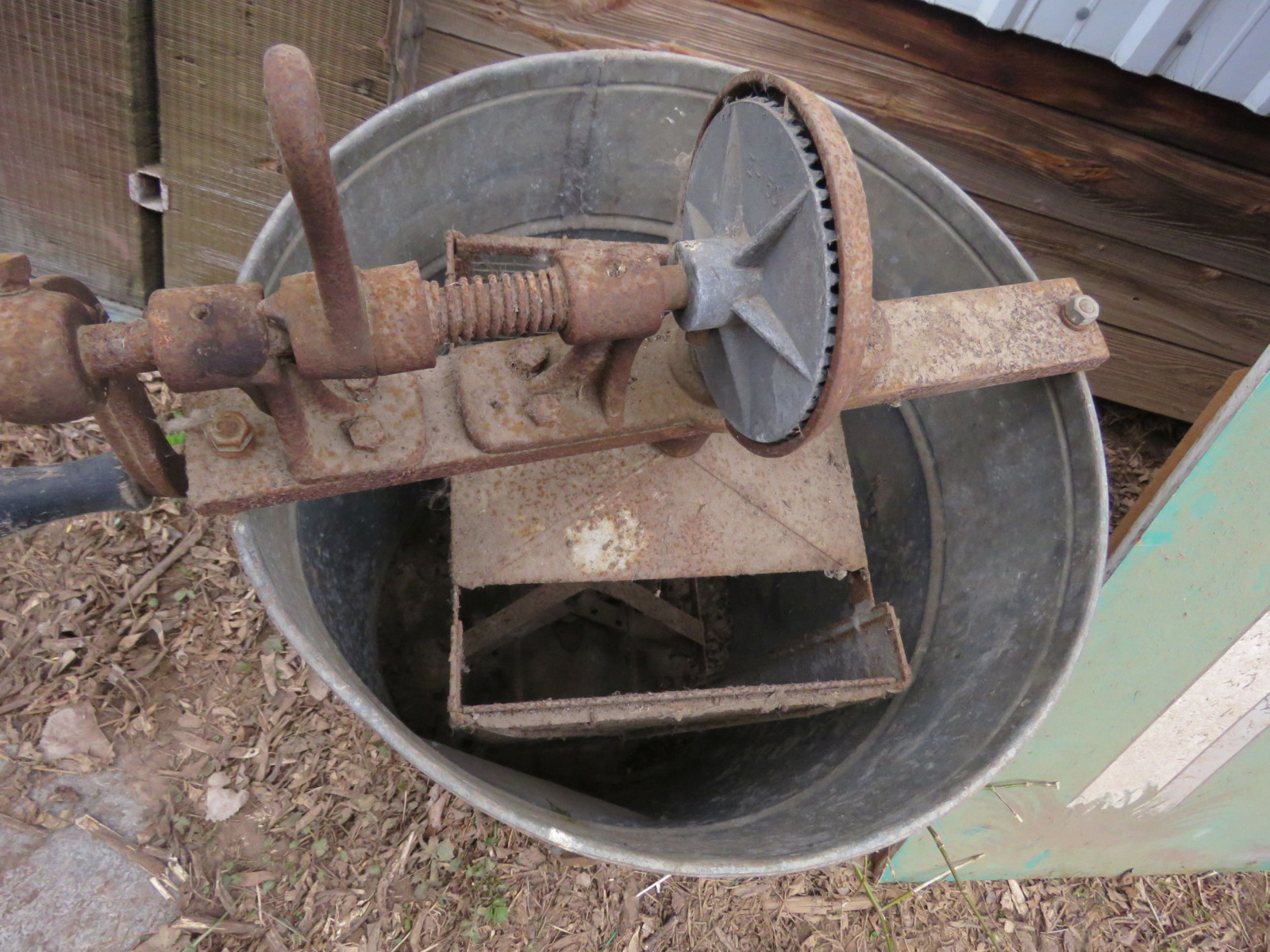 Vintage Honey Extractor - Image 2