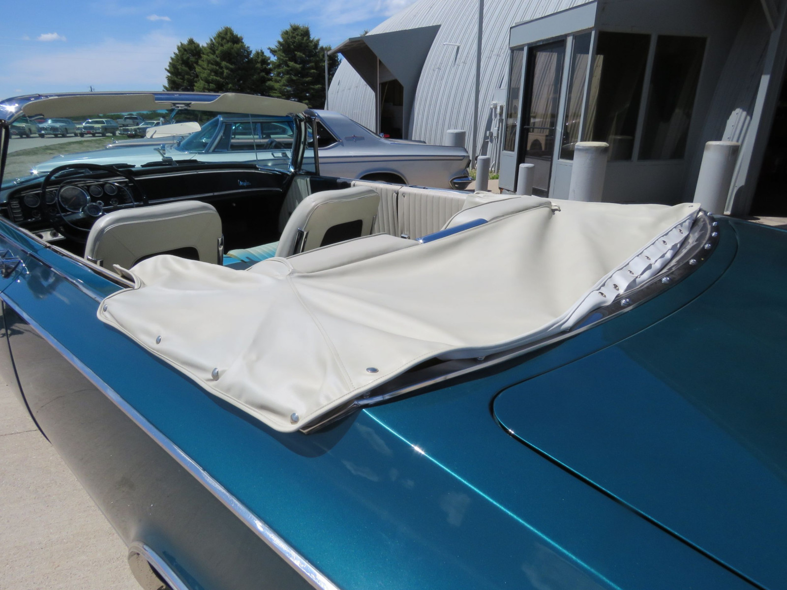 RARE 1963 Chrysler 300 Pace Setter Convertible Indy 500 Pace car - Image 11