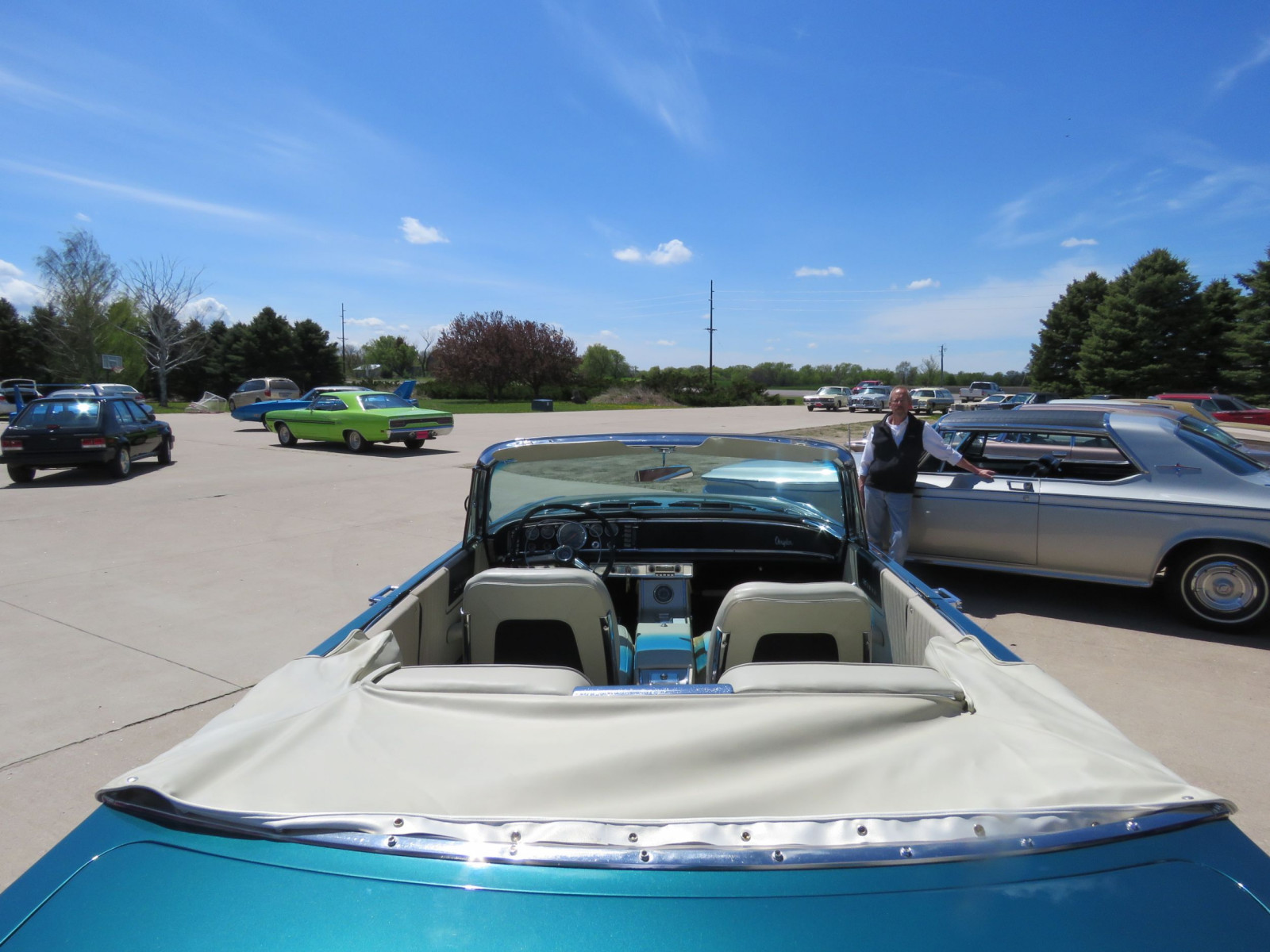 RARE 1963 Chrysler 300 Pace Setter Convertible Indy 500 Pace car - Image 9