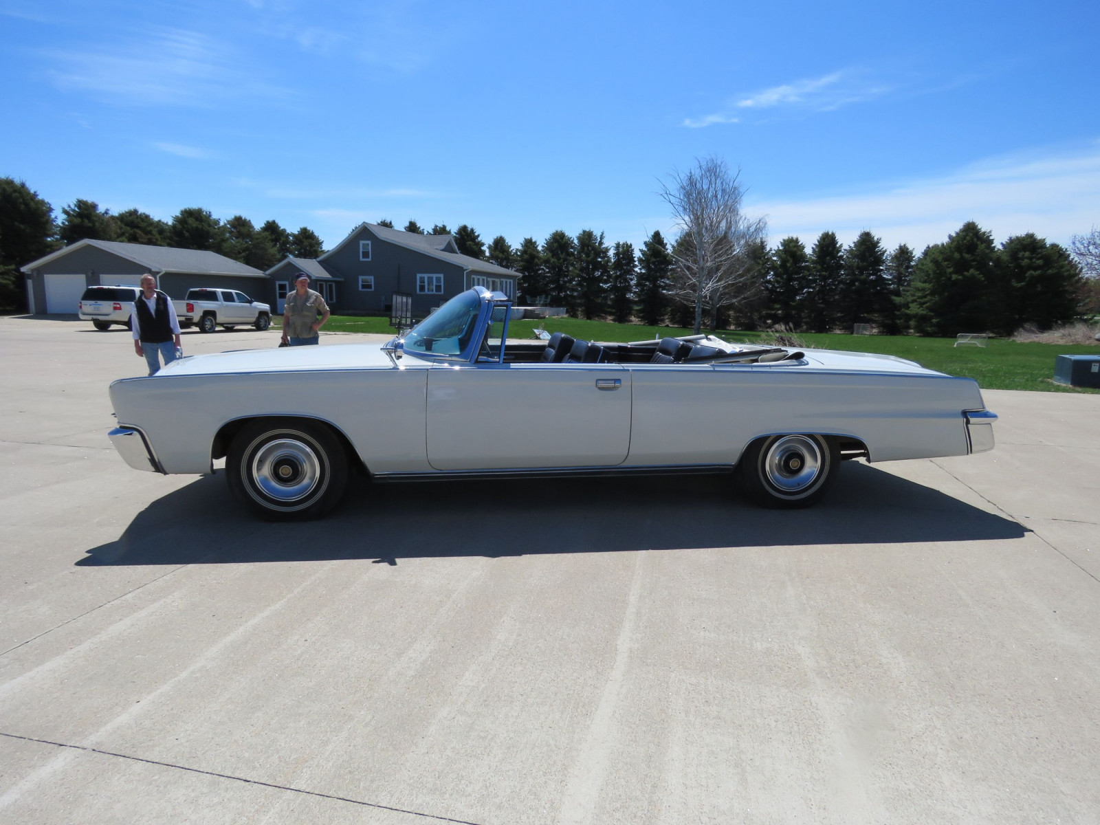 1965 Chrysler Imperial Crown Convertible - Image 4