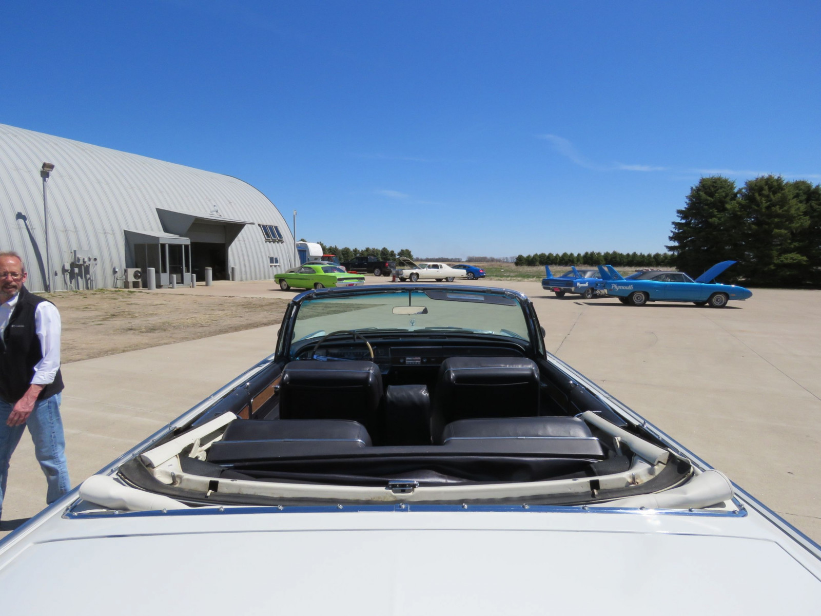 1965 Chrysler Imperial Crown Convertible - Image 7