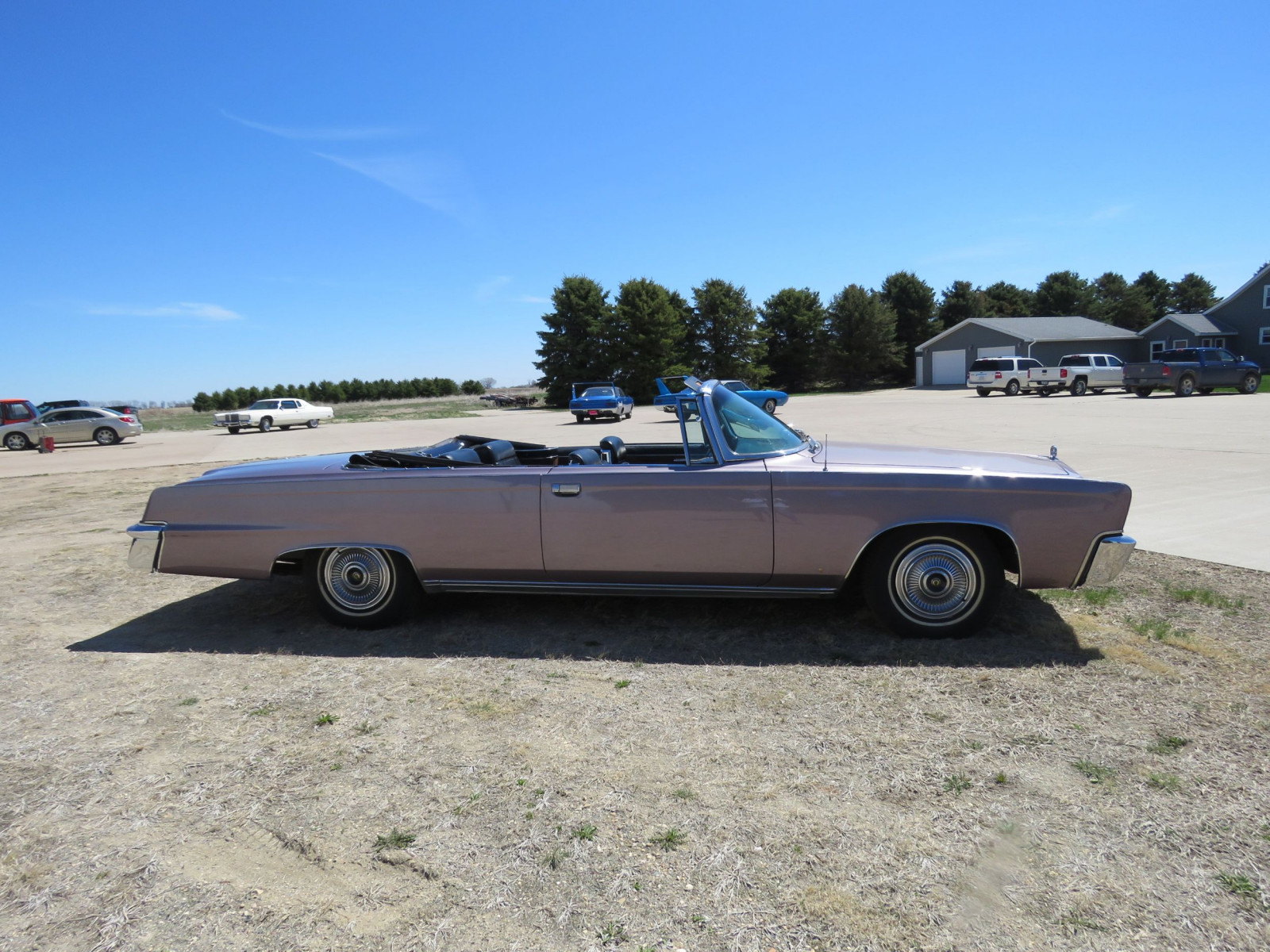 1966 Chrysler Imperial Crown Convertible - Image 4