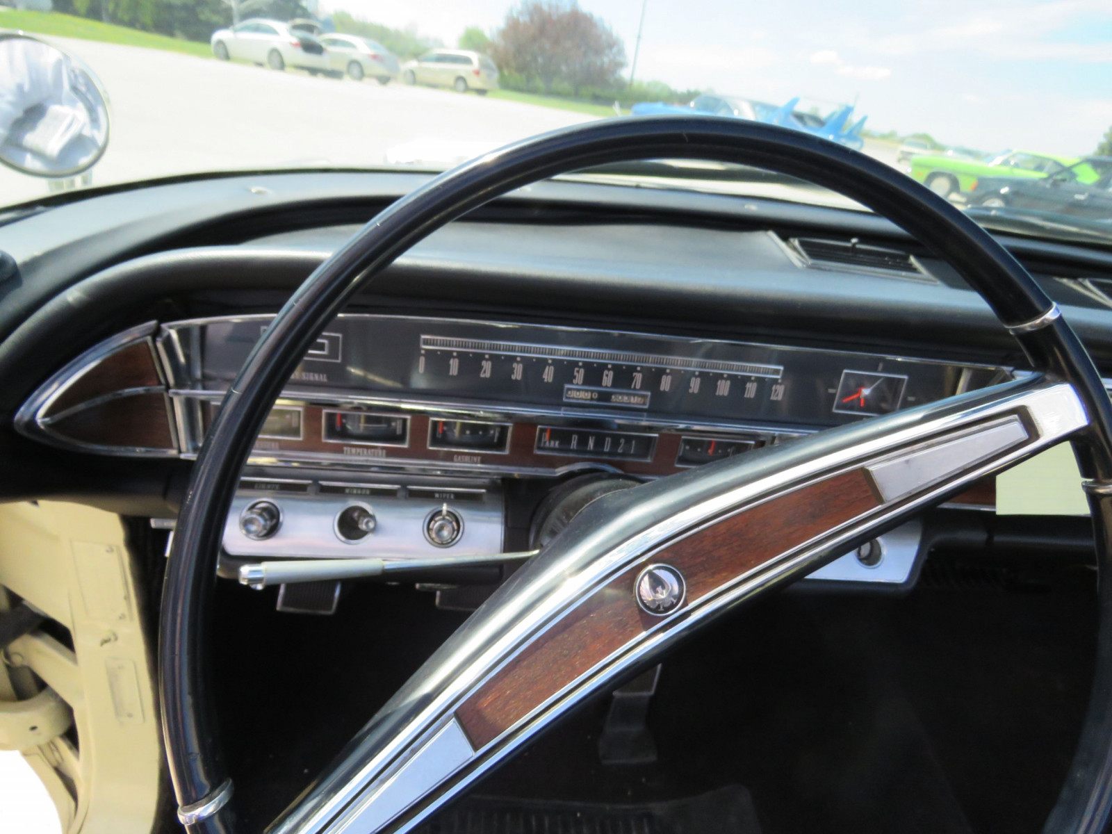 1966 Chrysler Imperial Crown Convertible - Image 15