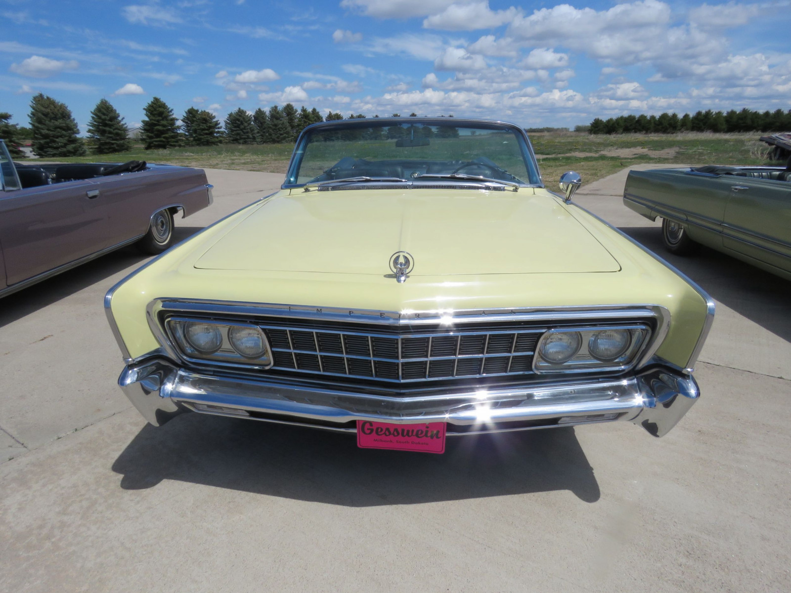 1966 Chrysler Imperial Crown Convertible - Image 2