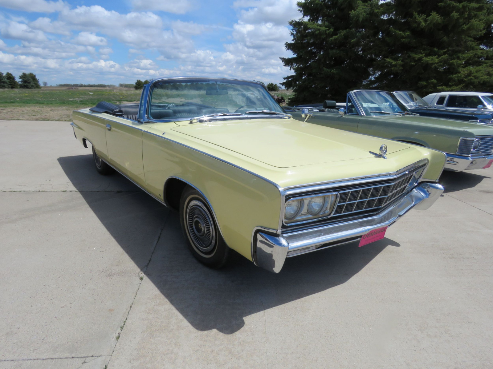 1966 Chrysler Imperial Crown Convertible - Image 3