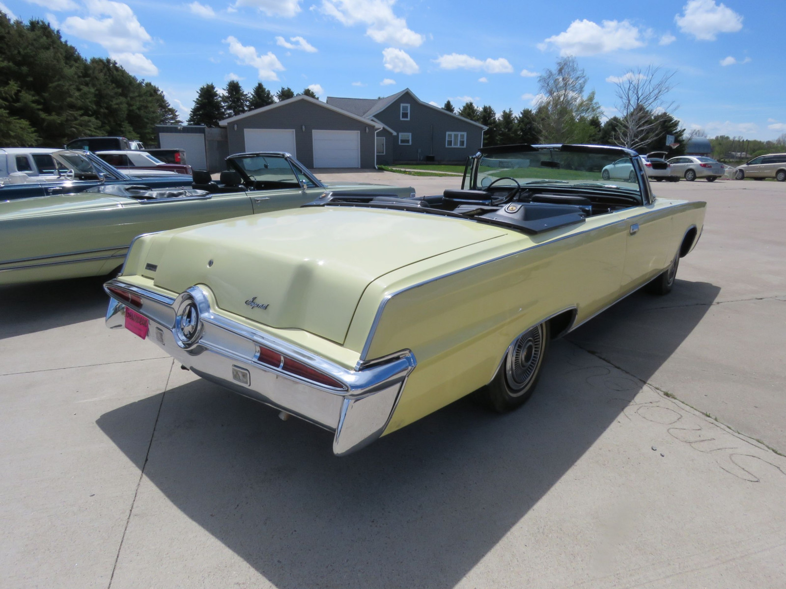 1966 Chrysler Imperial Crown Convertible - Image 5