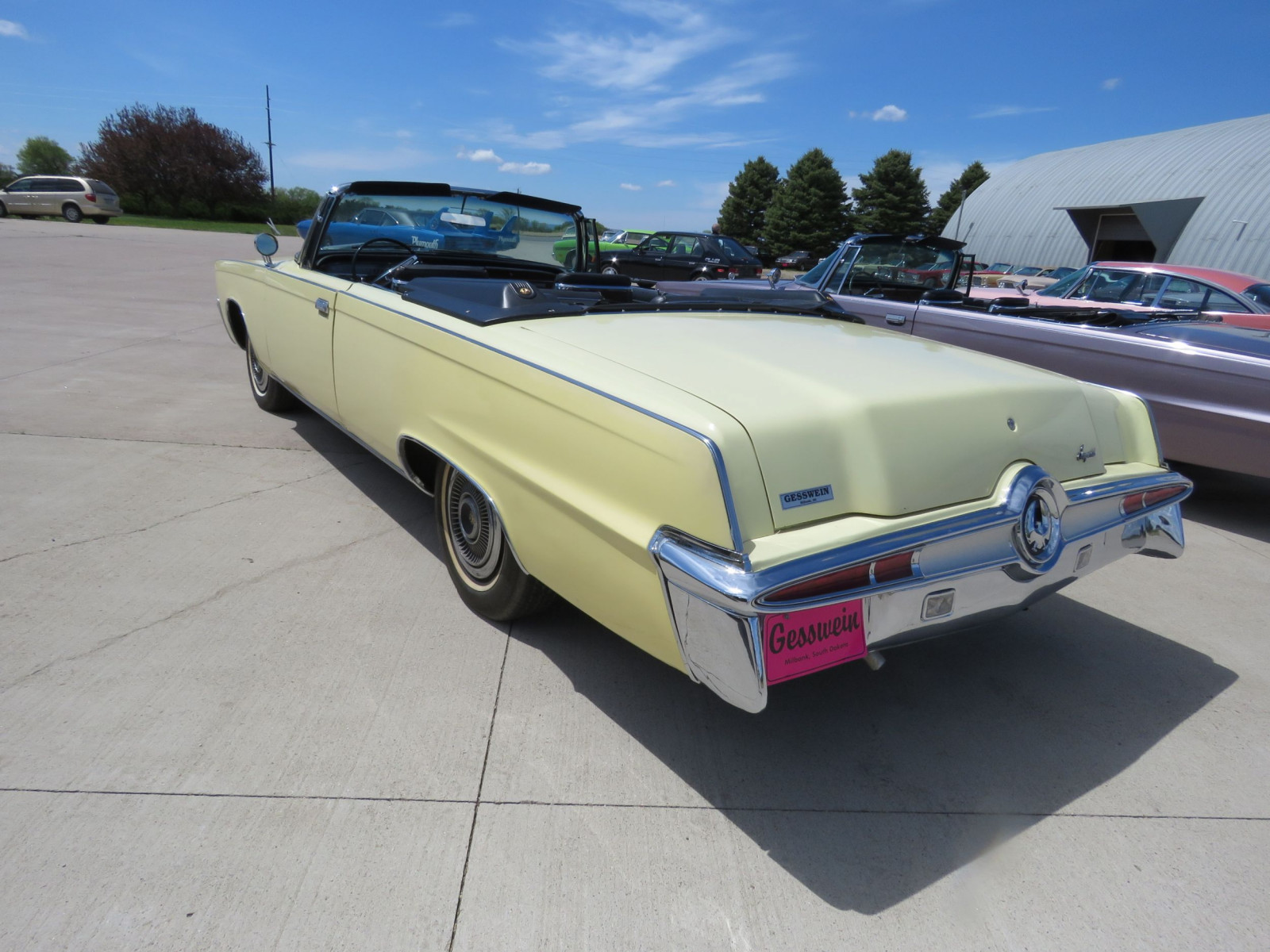 1966 Chrysler Imperial Crown Convertible - Image 8