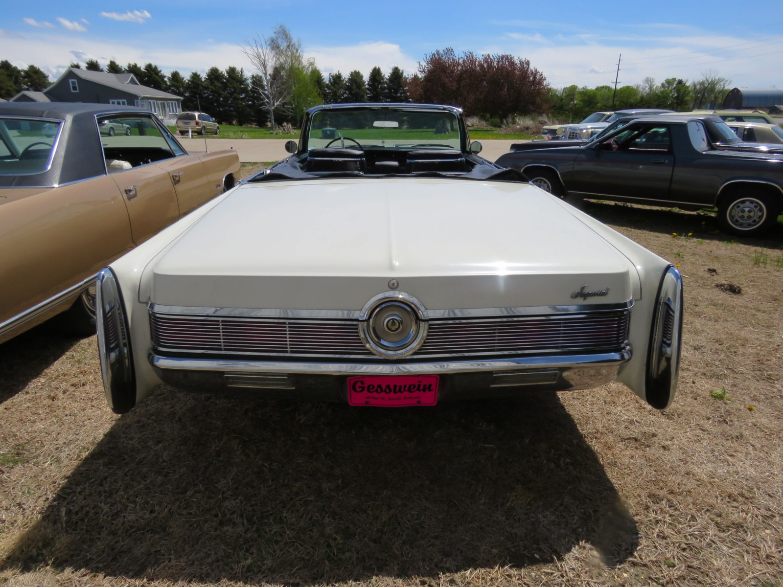 1967 Chrysler Imperial Convertible - Image 7