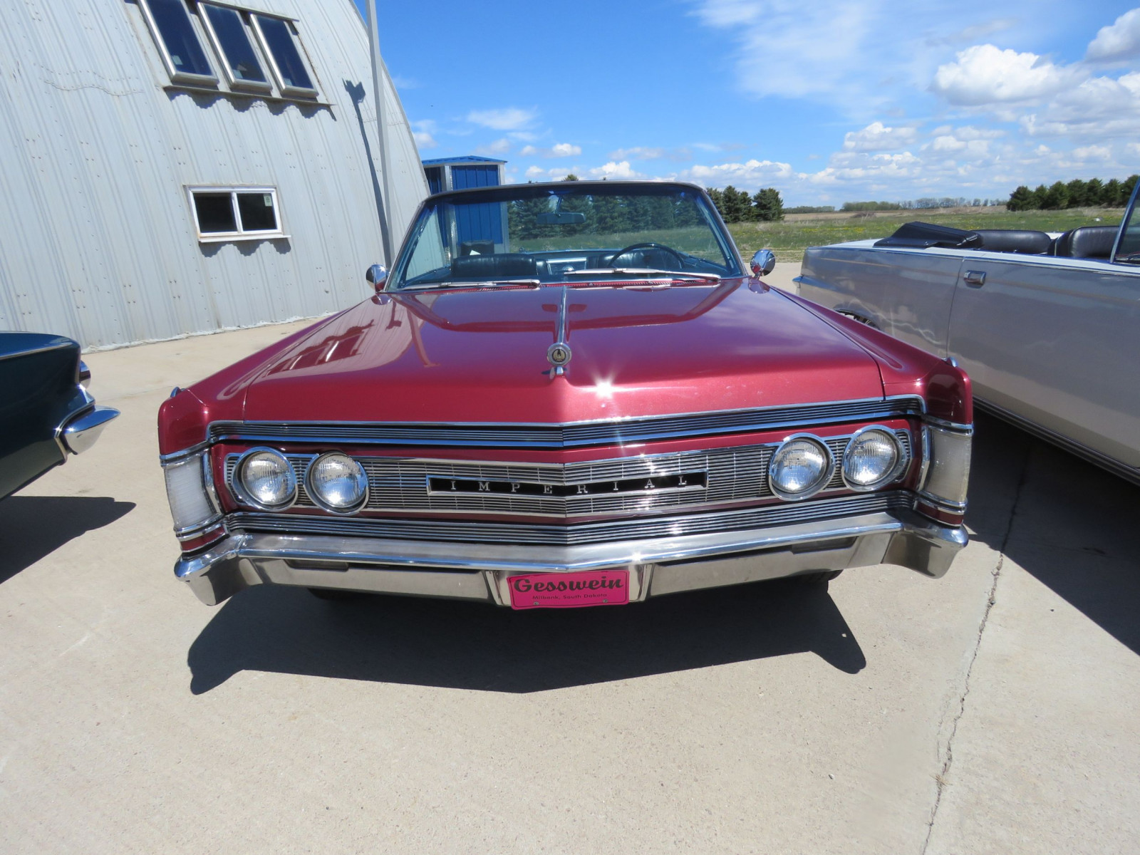 1967 Chrysler Imperial Convertible - Image 2