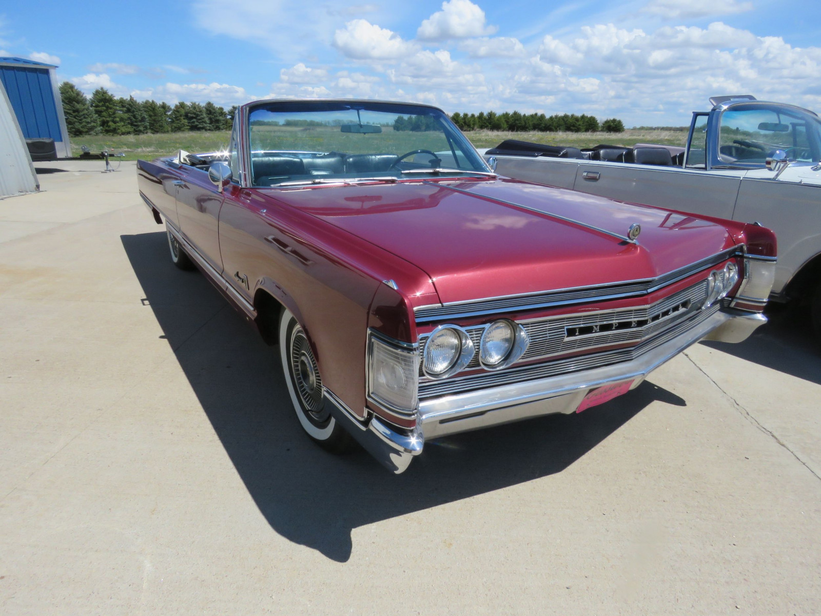 1967 Chrysler Imperial Convertible - Image 3