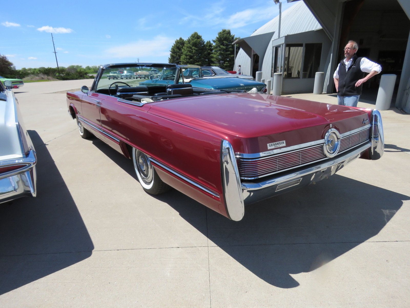 1967 Chrysler Imperial Convertible - Image 8