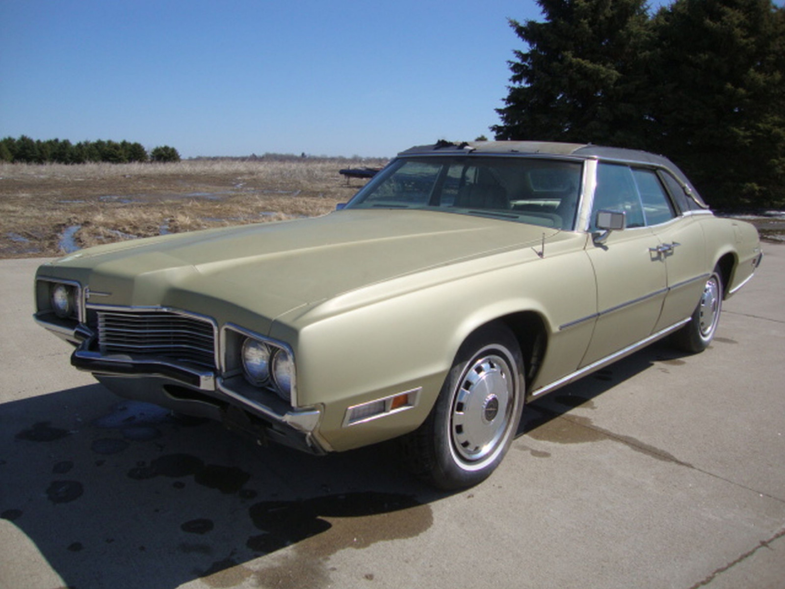 1971 Ford Thunderbird 4dr Sedan - Image 1