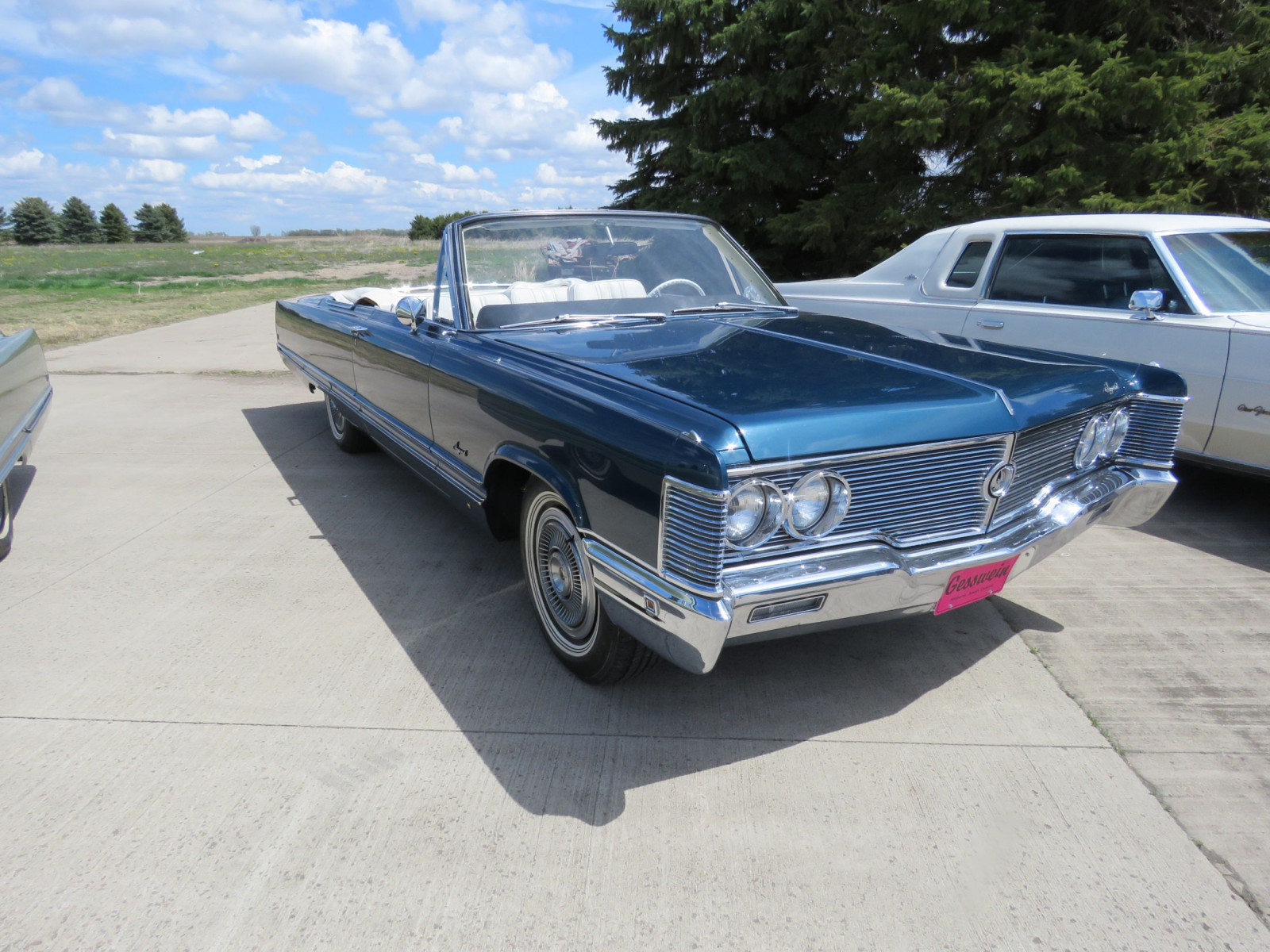 1968 Chrysler Imperial Crown Convertible - Image 3