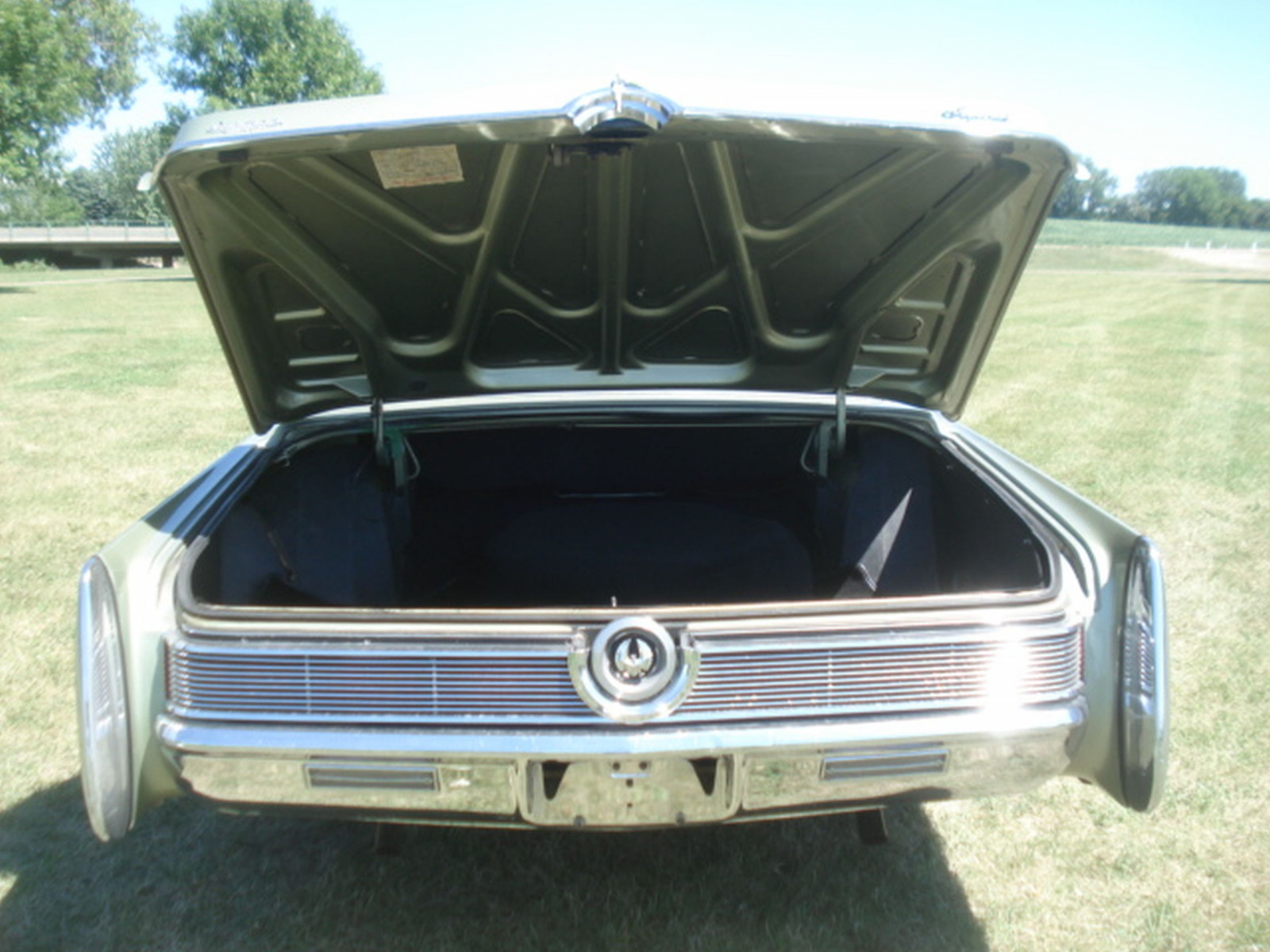 1968 Chrysler Imperial Crown Convertible - Image 13