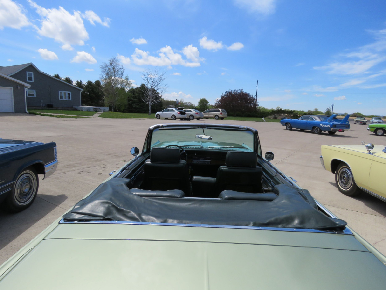 1968 Chrysler Imperial Crown Convertible - Image 15