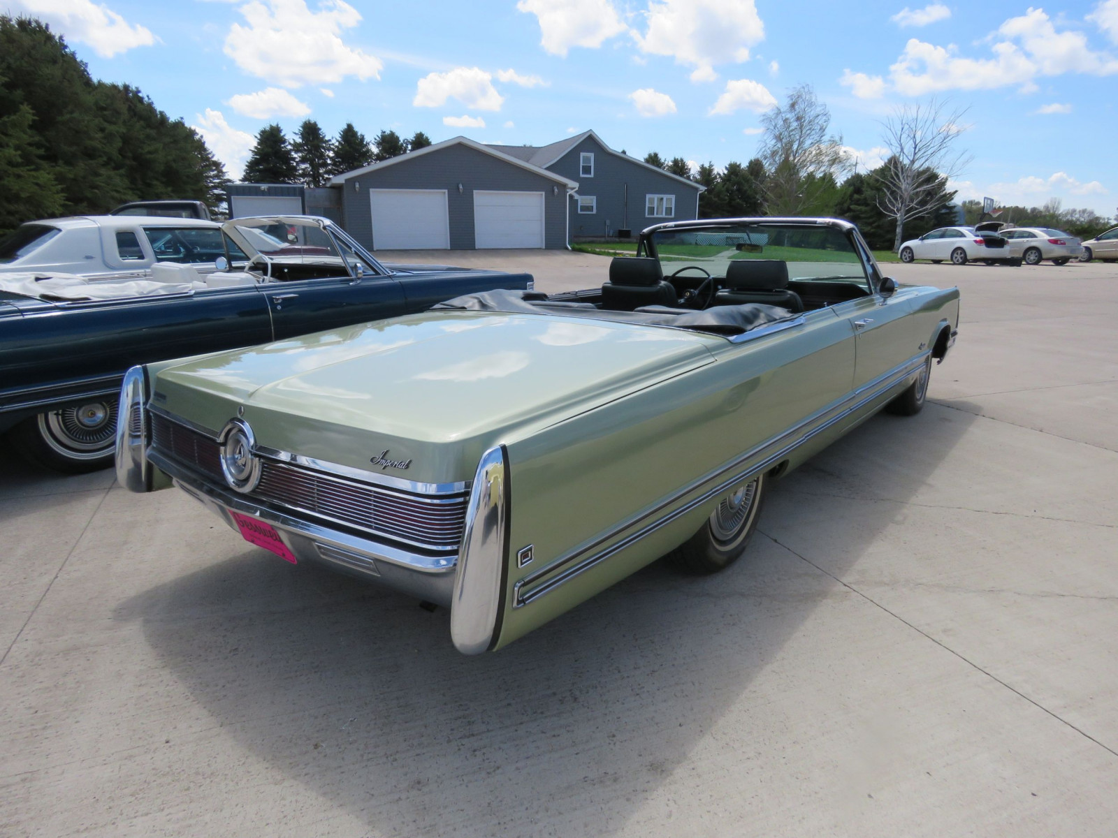 1968 Chrysler Imperial Crown Convertible - Image 5