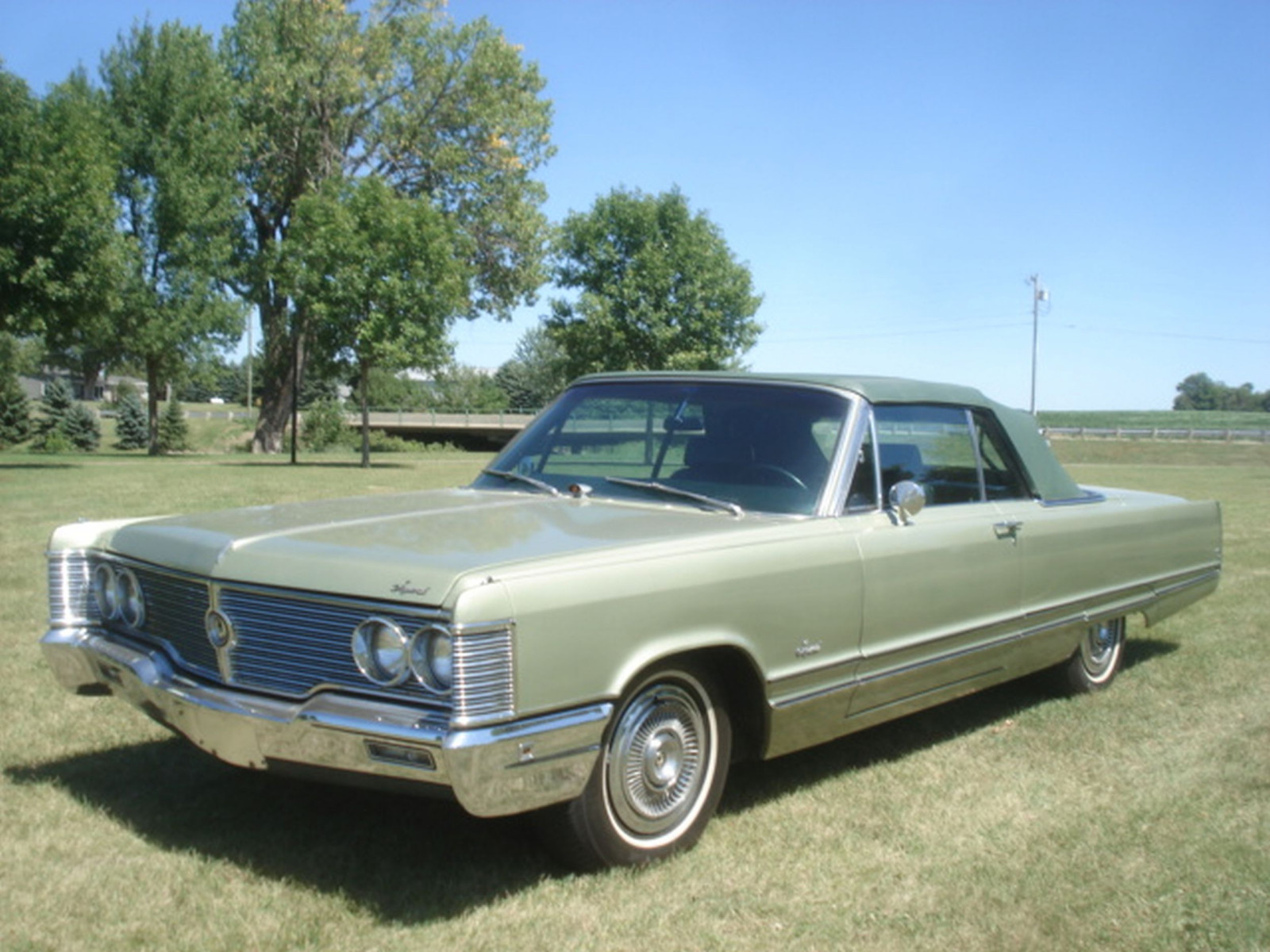1968 Chrysler Imperial Crown Convertible - Image 8