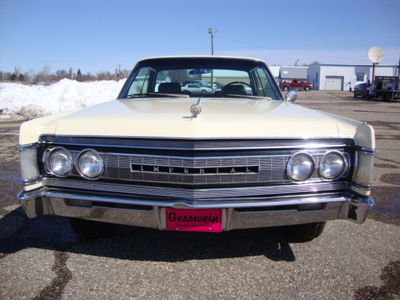 1967 Chrysler Imperial Crown Coupe - Image 2