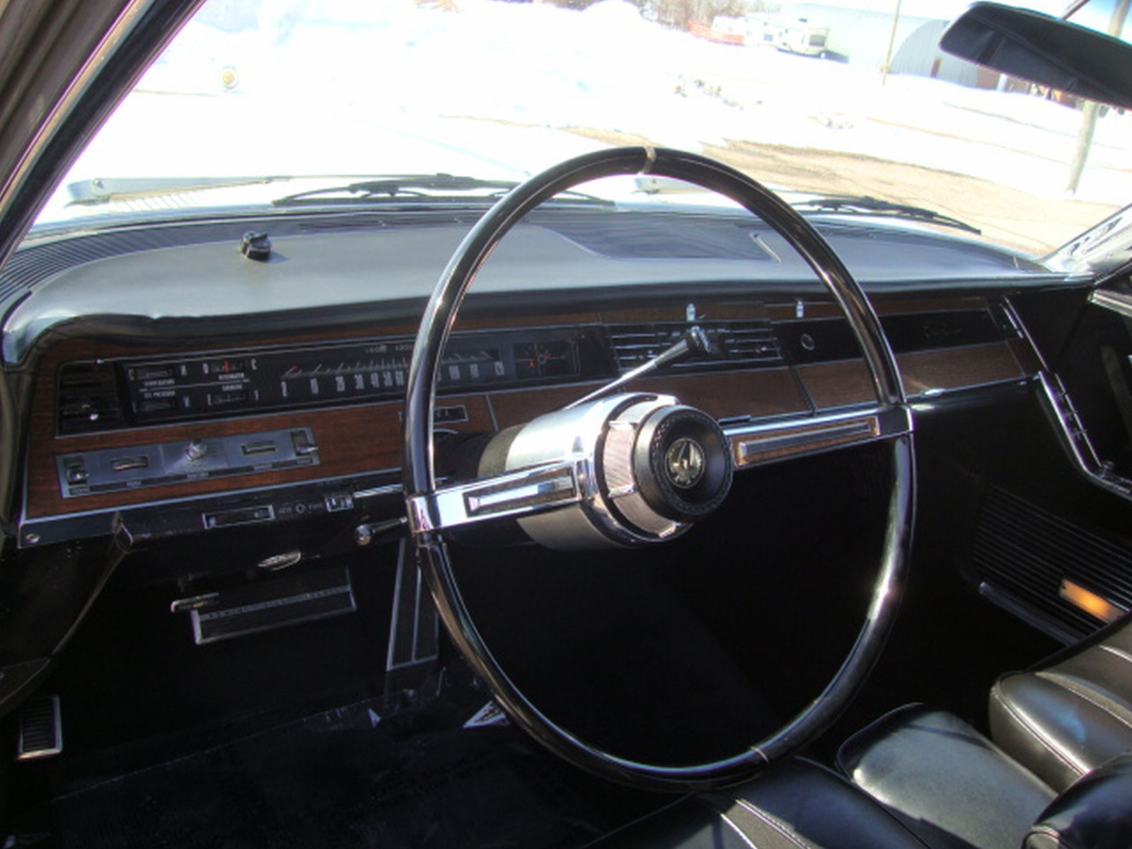 1967 Chrysler Imperial Crown Coupe - Image 21
