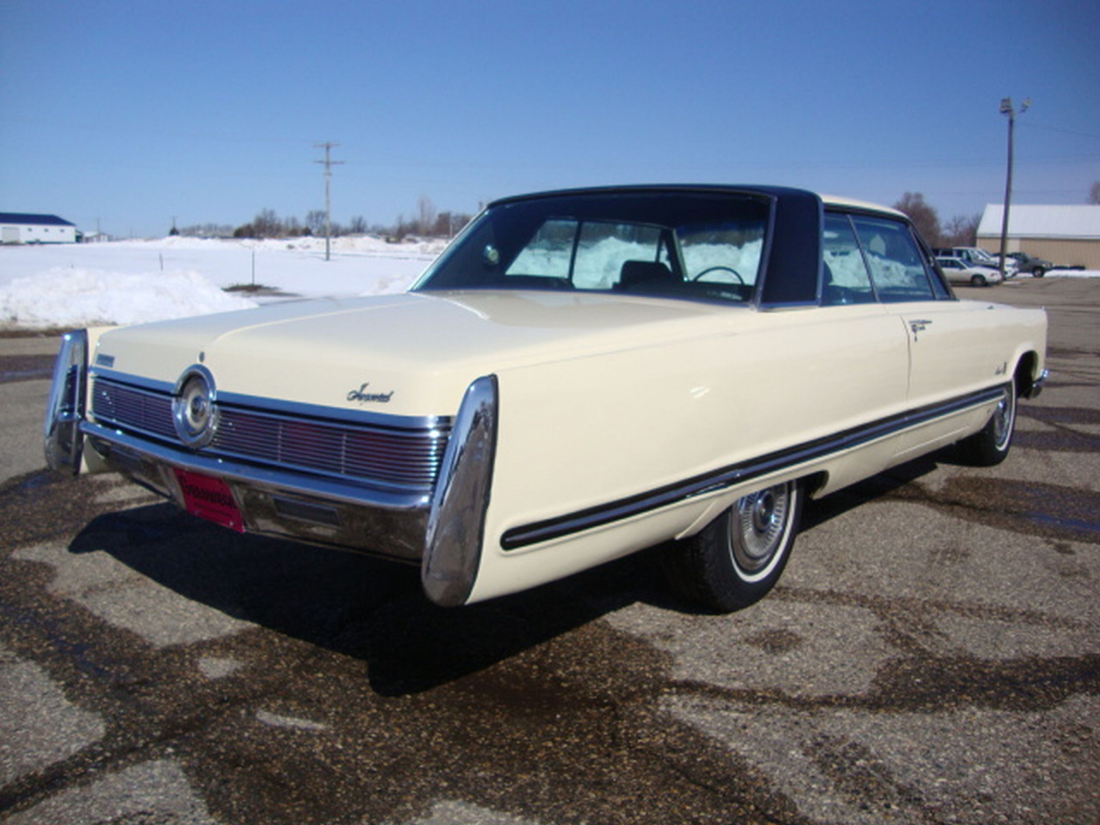 1967 Chrysler Imperial Crown Coupe - Image 5