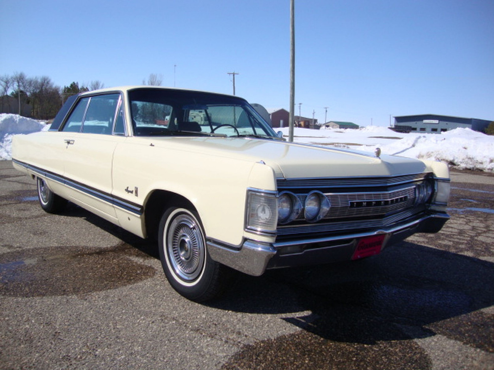 1967 Chrysler Imperial Crown Coupe - Image 7