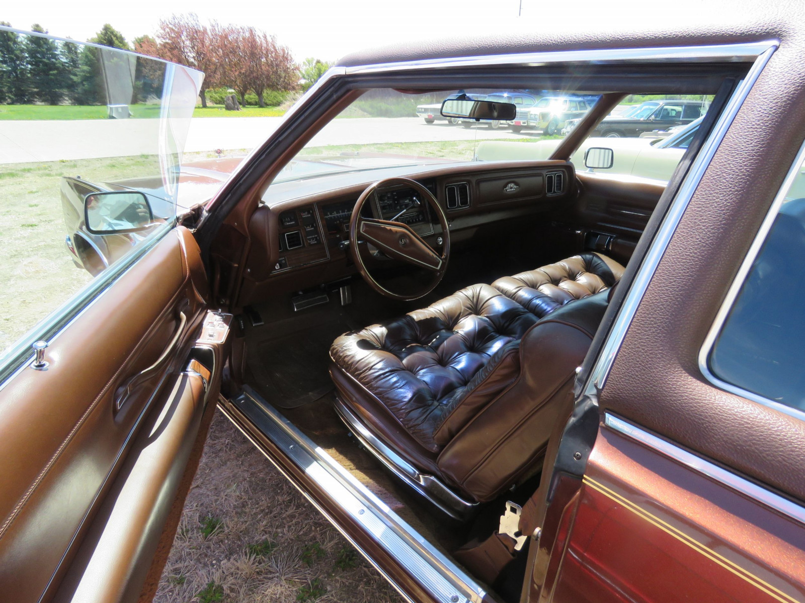 1977 Chrysler New Yorker Brougham with ST. Regis package - Image 14
