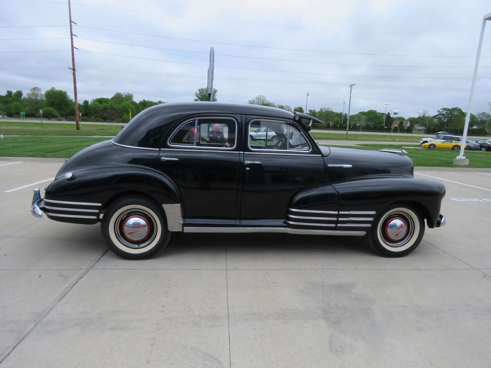 1947 Chevrolet Fleetline 4dr Sedan - Image 9