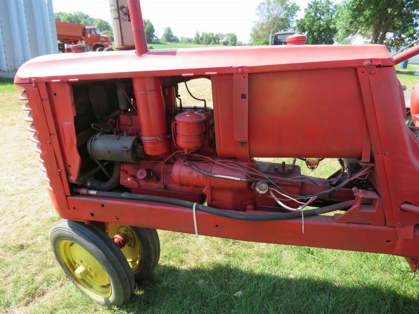 Massey Harris Row Crop 81 Tractor - Image 6