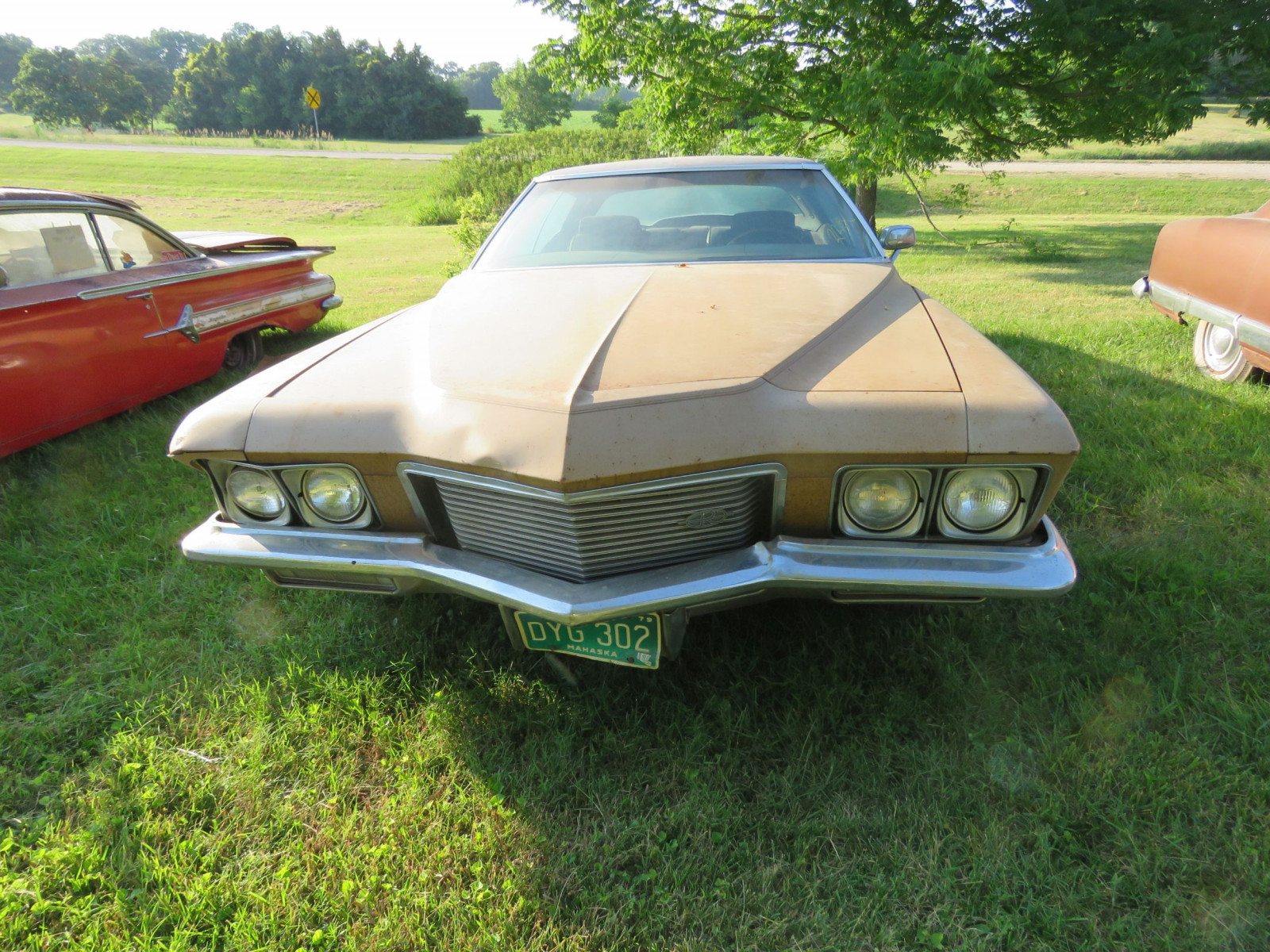 1971 Buick Boat tail Riviera - Image 2