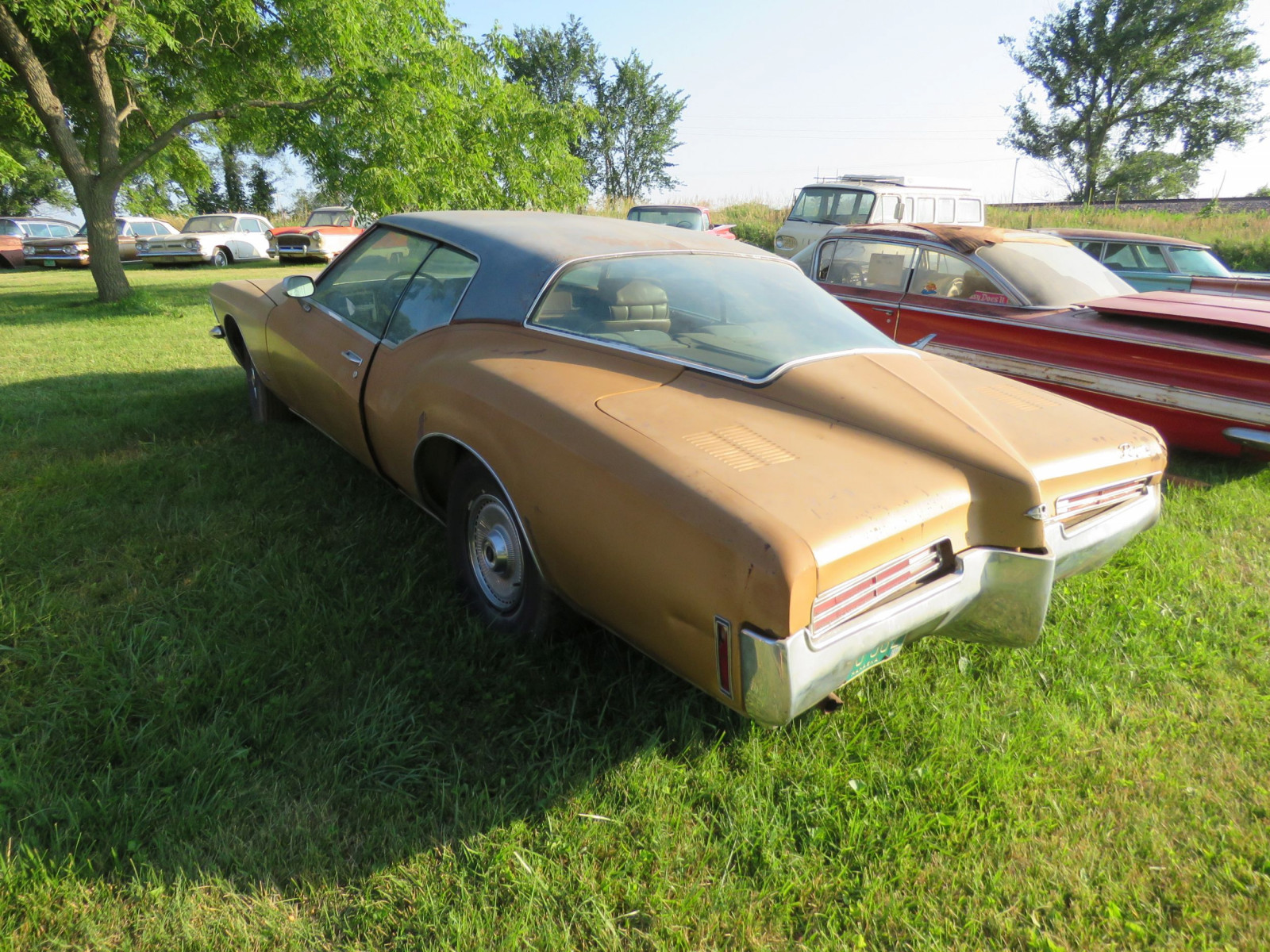 1971 Buick Boat tail Riviera - Image 6
