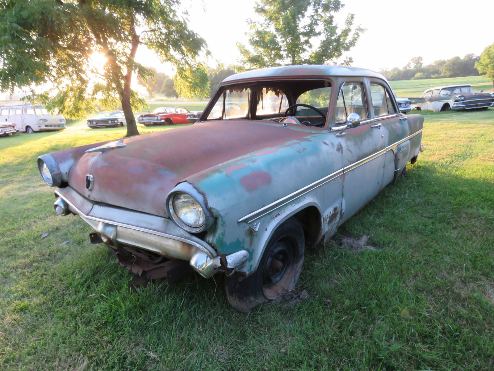 Ford Crestline 4dr Sedan for parts - Image 1